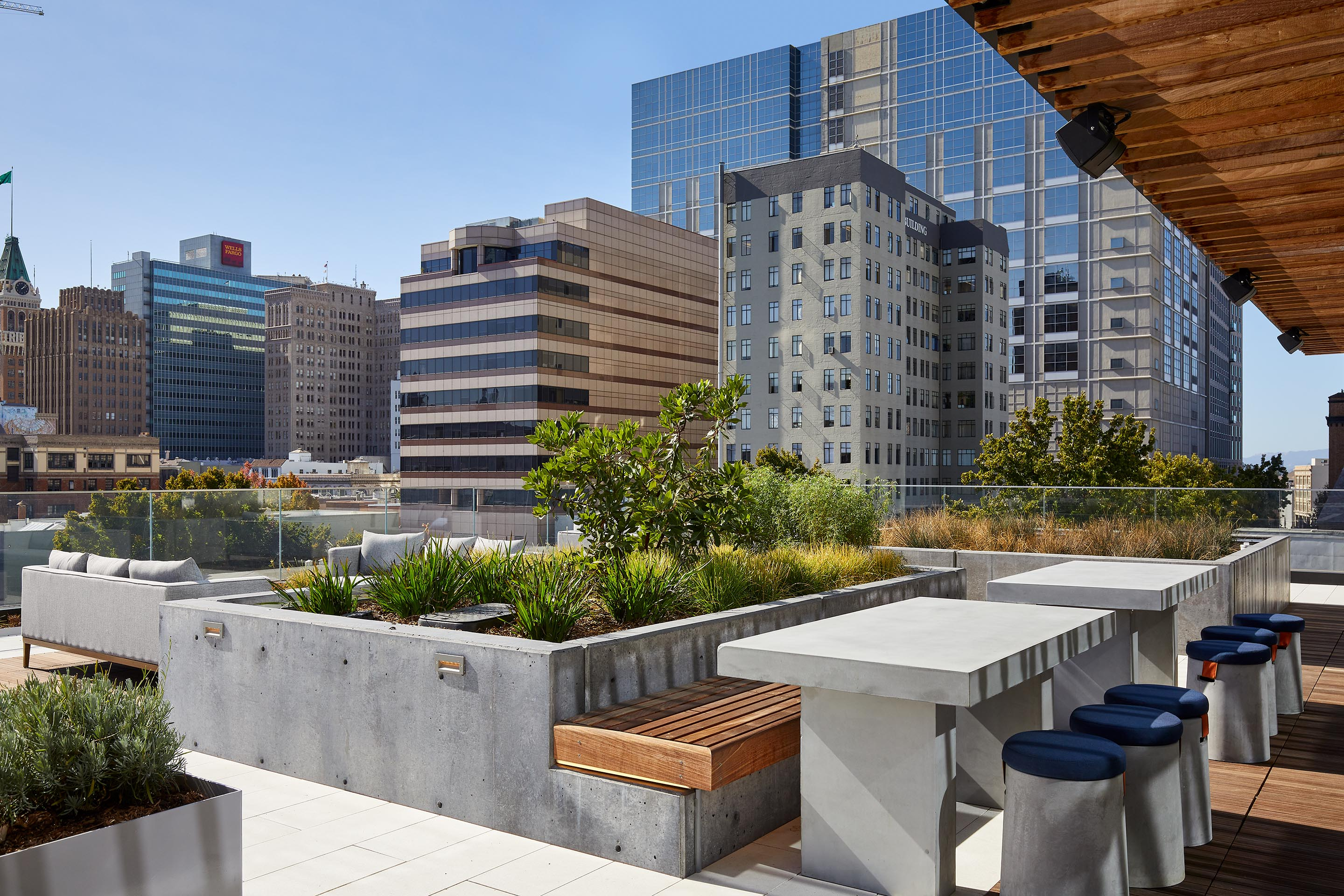 5th Floor Terrace | ZO Oakland Apartments