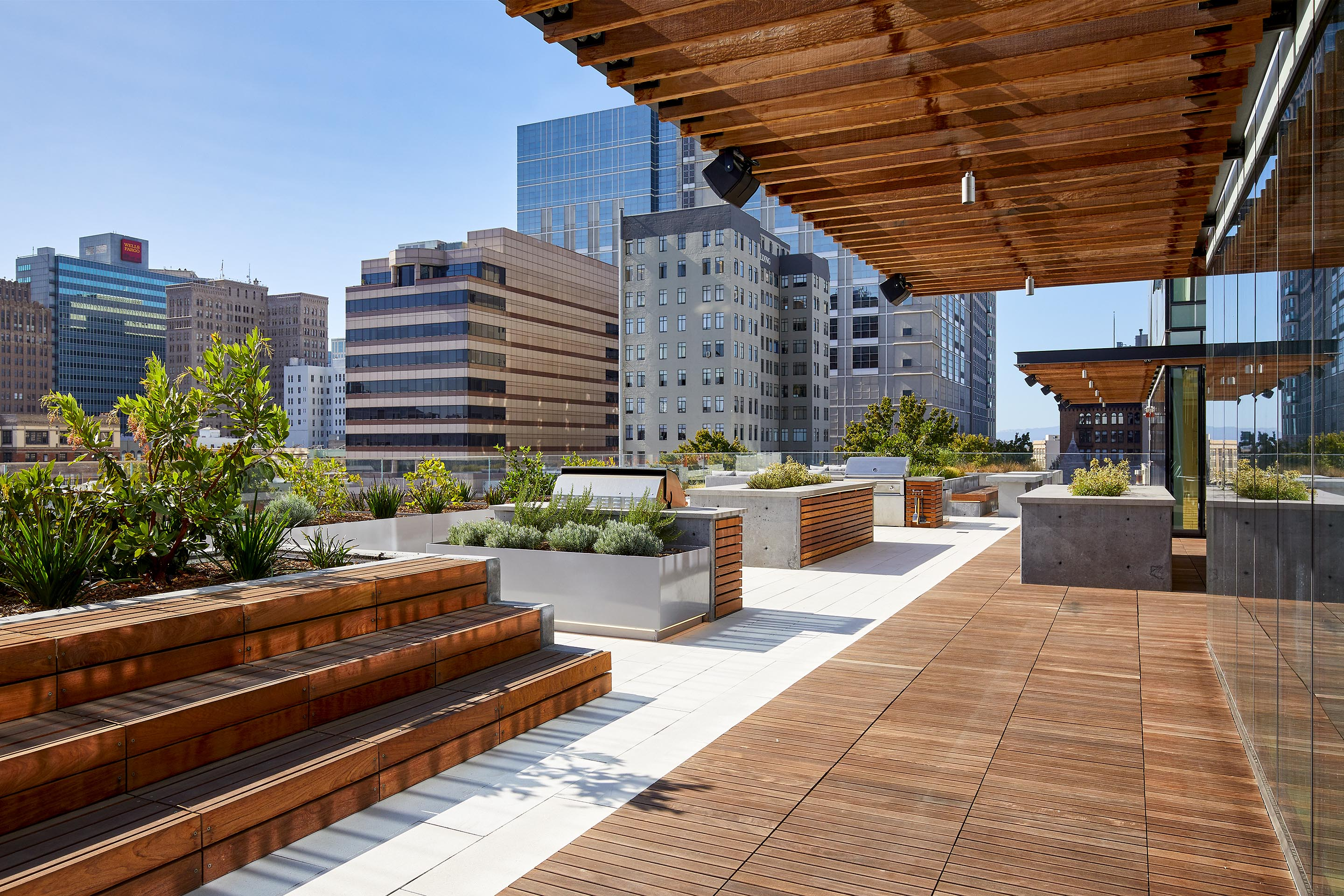 5th Floor Terrace | ZO Downtown Oakland Apartments