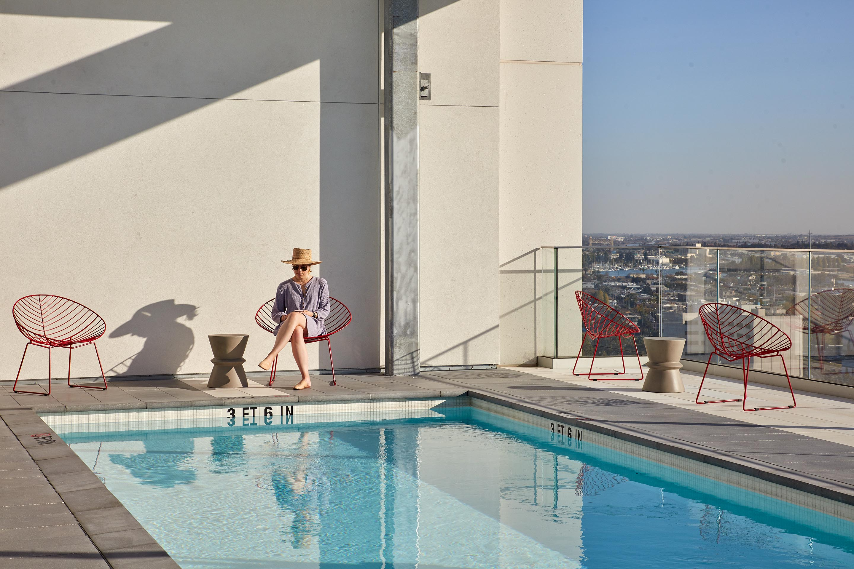Pool Deck | ZO Oakland Apartments